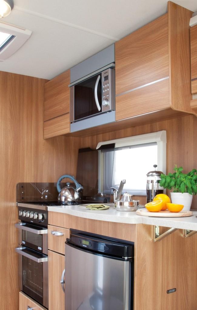Cruzer 460 SR kitchen